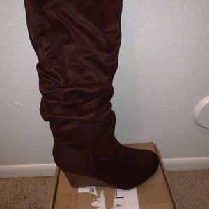Brown below the knees wedged boots